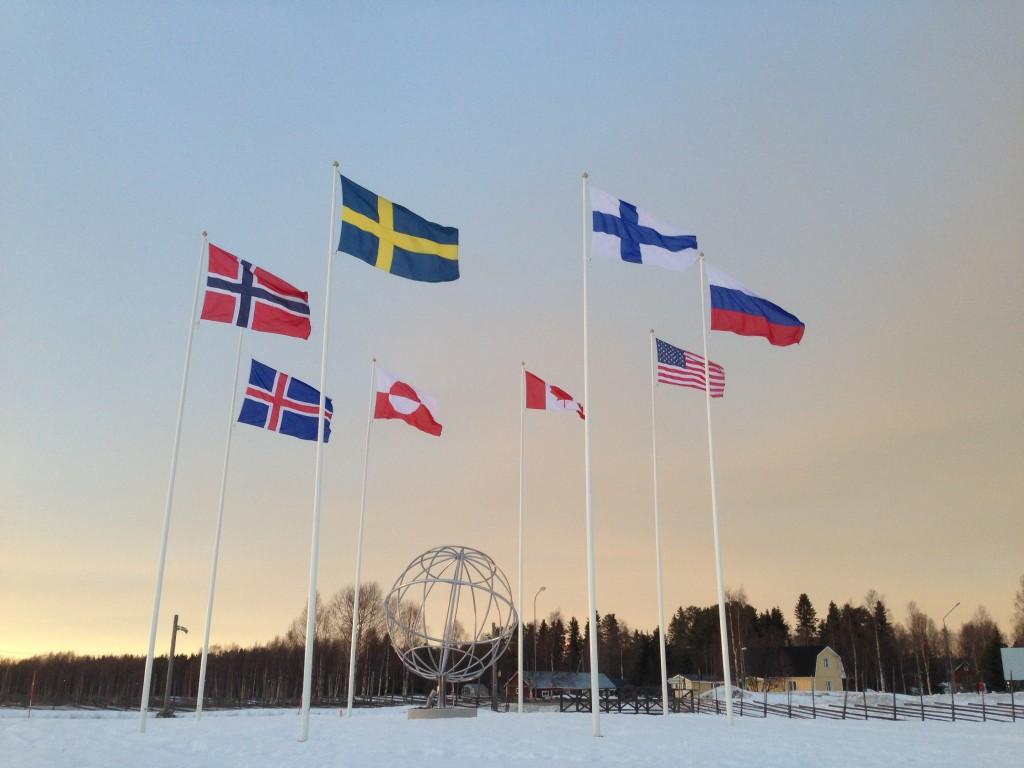 Övertorneå ekokommun korsas av polcirkeln. I Juoksengi finns ett nytt monument för att visa att vi är en del av en global värld. Foto Urpo Taskinen